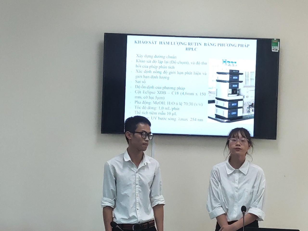 Sinh viên bào chế thành công trà hạ áp từ hoè mễ thu hái tại huyện Tiền Hải, tỉnh Thái Bình