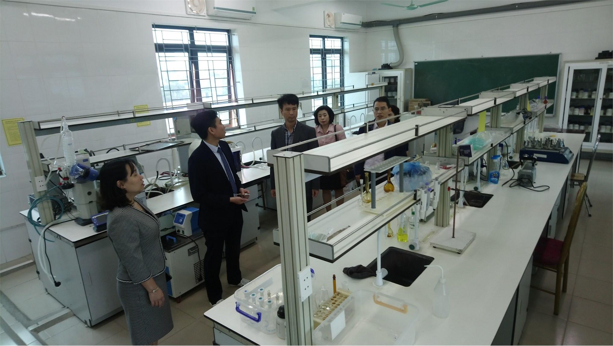 Viện Công nghiệp Thực phẩm đến thăm và làm việc với Khoa Công nghệ Hóa