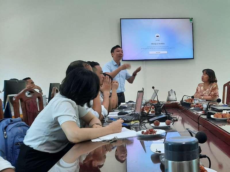 Tập huấn và trao đổi kinh nghiệm trong giảng dạy kết hợp và xây dựng bài giảng điện tử